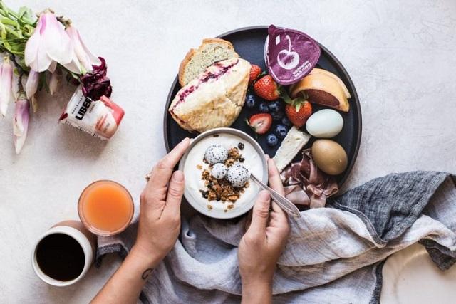 continental-breakfast-at-home-10_53eecce9451b9929f95b59cd38d60561-800x533