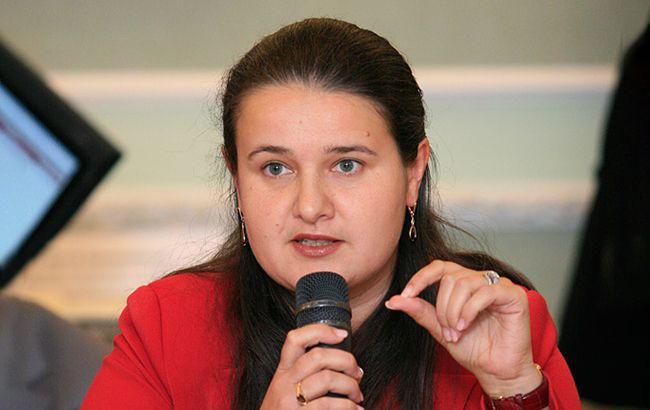 minfin_gov_ua_oksana_20makarova5_id8891_650x410_7_650x410