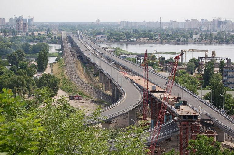 1200px-Міст_Кірпи_Київ_2011_01